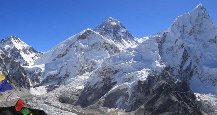 khumbu glacier base camp everest