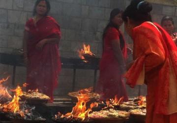 women-offering-lamps-fire