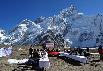 cabinet-meeting-Everest-base-camp